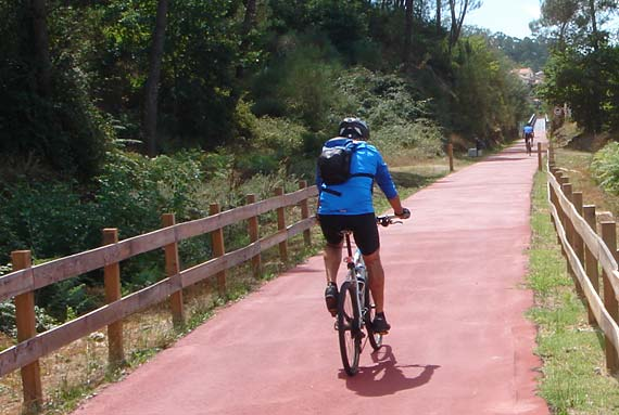 Descending the Ecopista do Dâo by bicycle